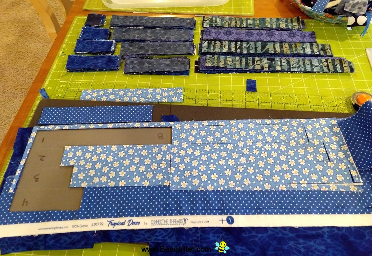 Blue And White Log Cabin Top And Selvedge Mug Rug Beaquilter